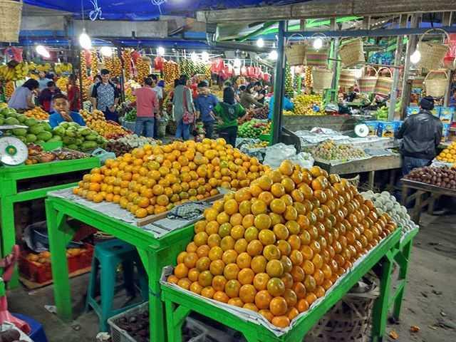 pasar buah berastagi