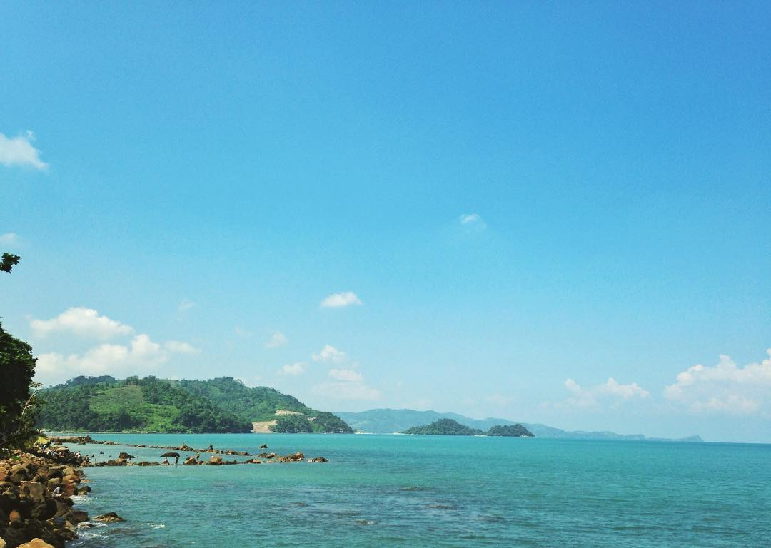 pesona keindahan pantai kahai