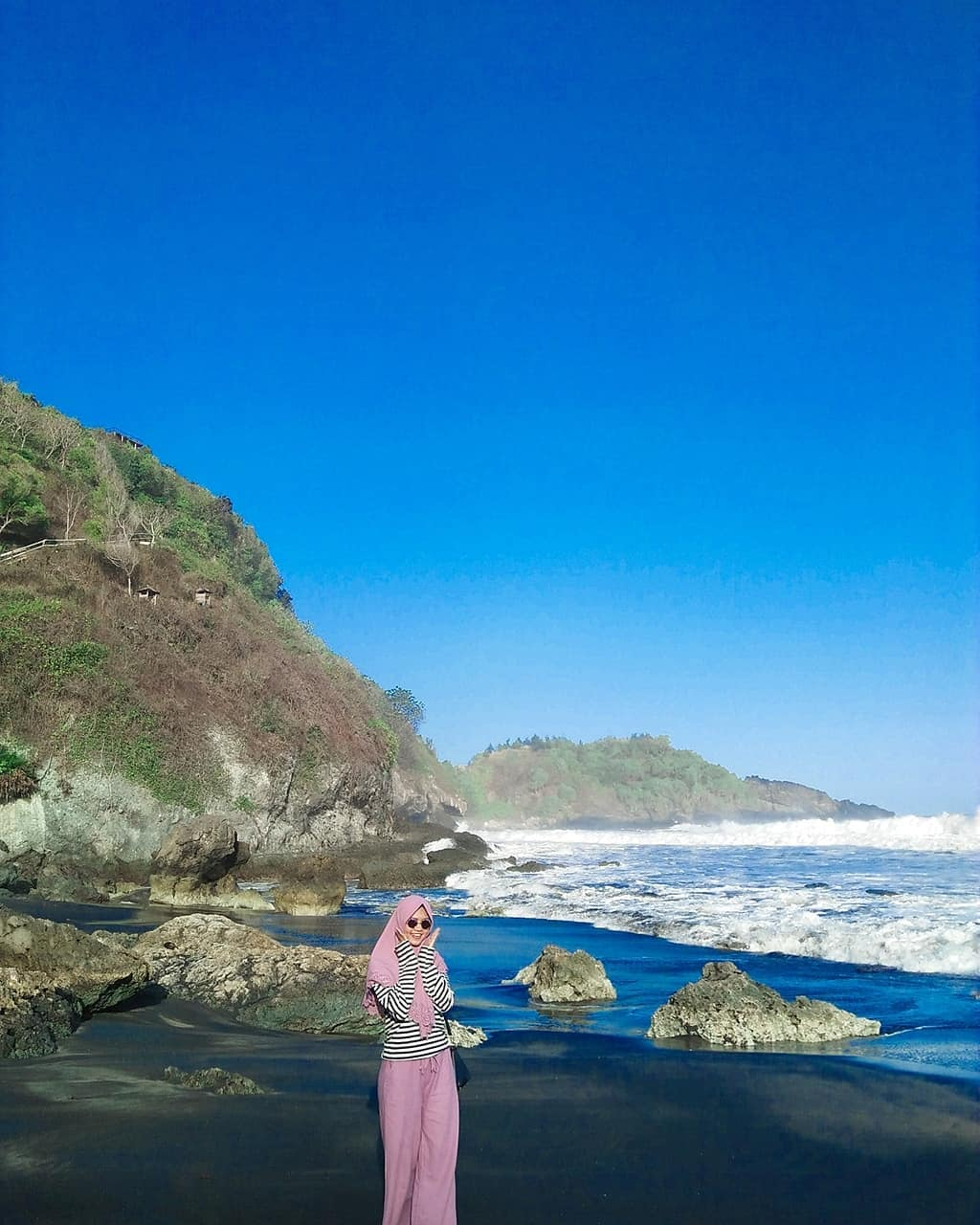 pesona keindahan pantai surumanis kebumen
