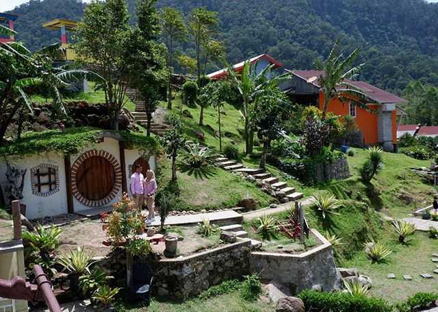 rindu alam resort berastagi