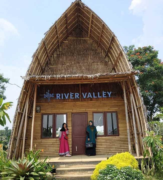 river valley camp di sunflower garden medan