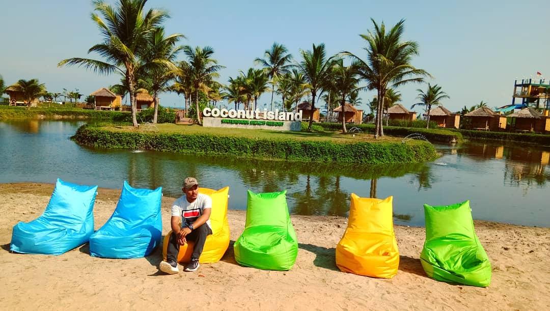 spot bersantai di coconut island carita labuan pandeglang