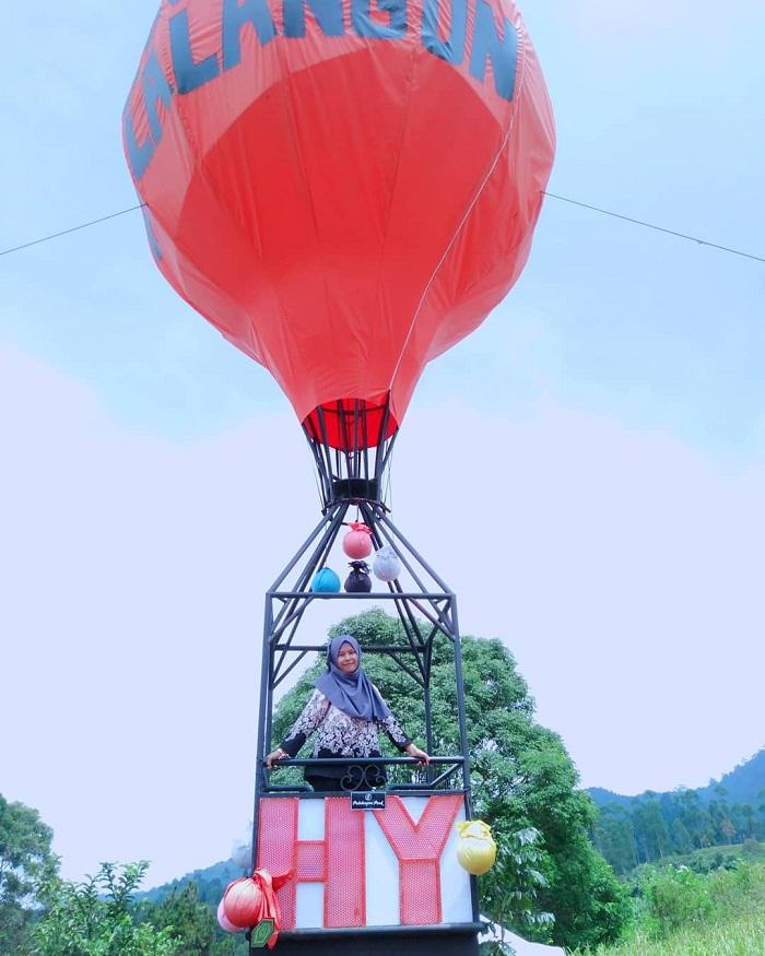 spot foto balon udara di palalangon park ciwidey