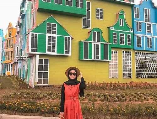 spot foto bangunan bergaya belanda flora wisata san terra malang