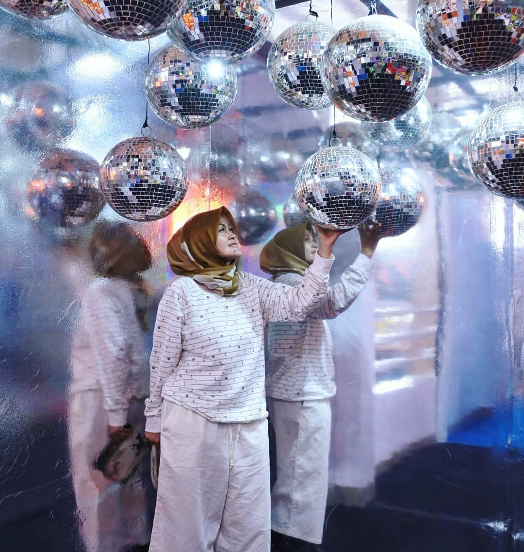 spot foto di centrum million balls bandung 9