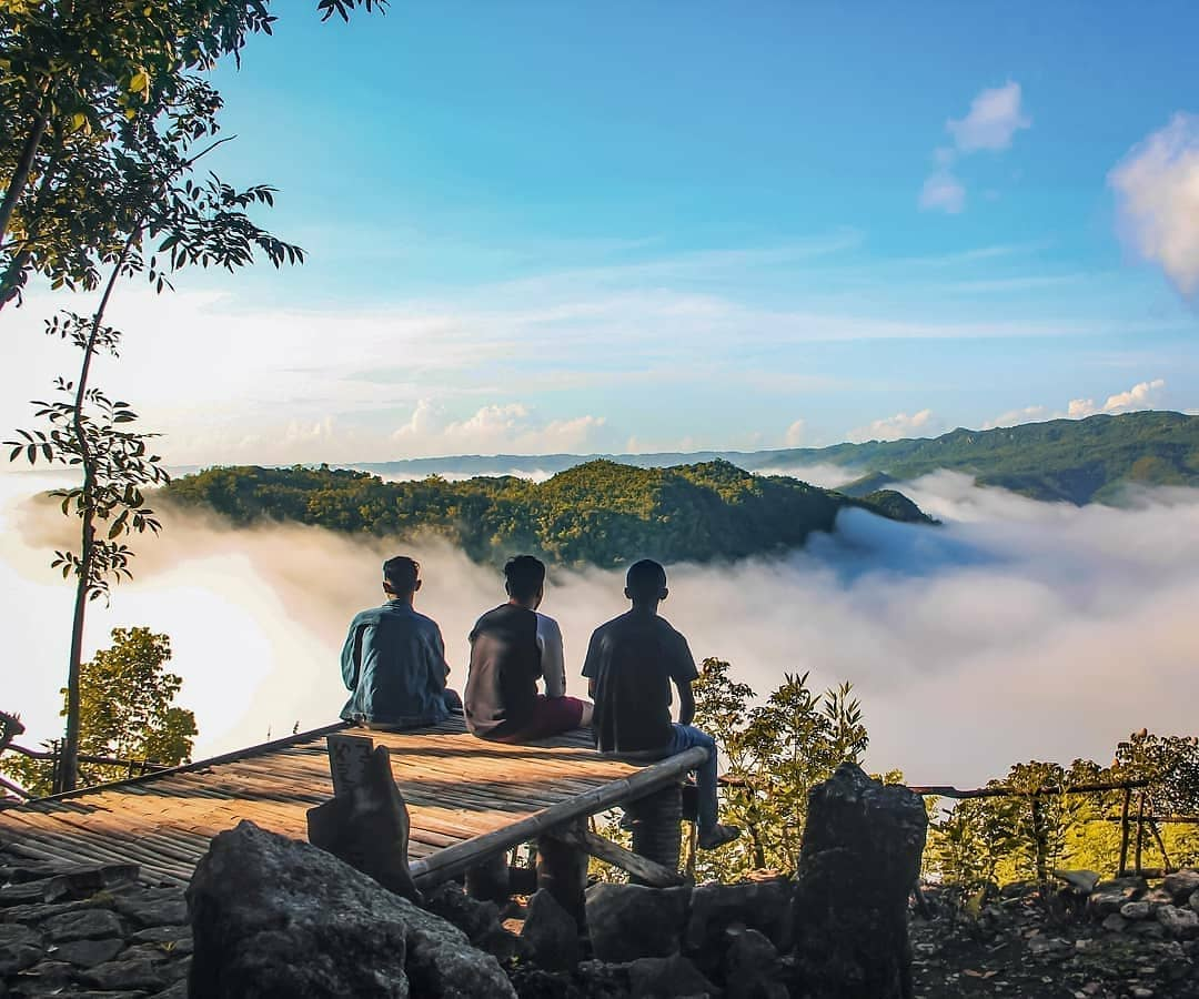 spot foto gardu pandang di ekowisata jatisari dlingo