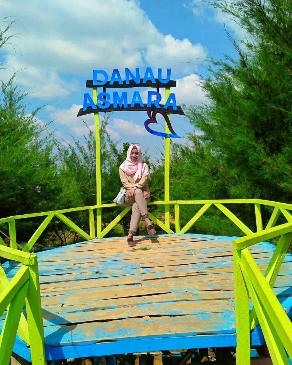 spot foto gardu pandang di wisata danau asmara randudongkal pemalang