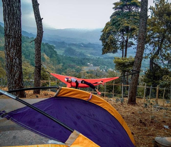 spot foto hammock di hutan wisata pokland cianjur