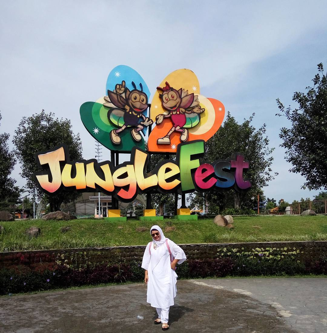 spot foto ikonik jungle fest bogor