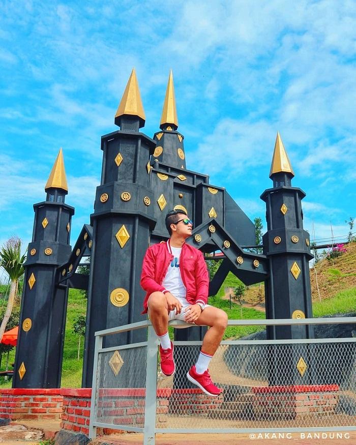 spot foto istana mini di palalangon park ciwidey