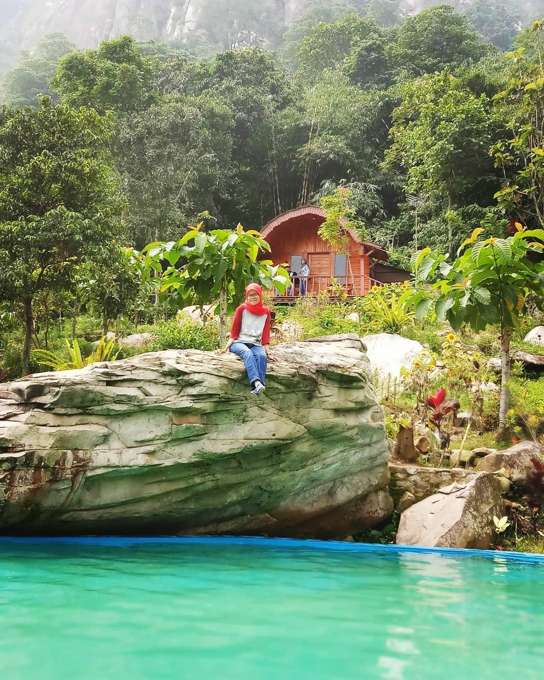 spot foto keren di dekat kolam renang sasak panyawangan purwakarta