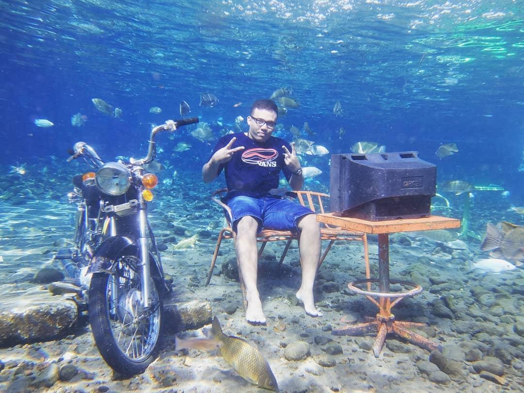 spot foto sepeda motor dan televisi di umbul ponggok