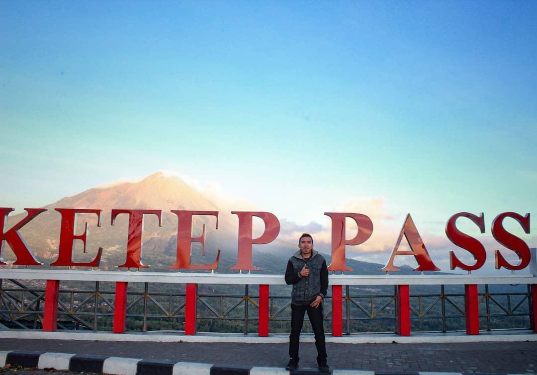 spot foto sign board katep pass