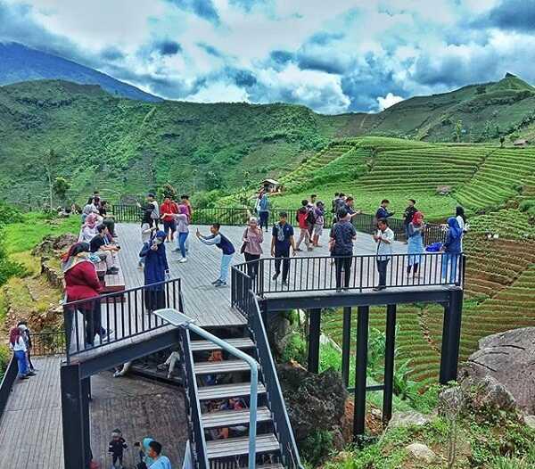 spot foto terasering panyaweuyan majalengka