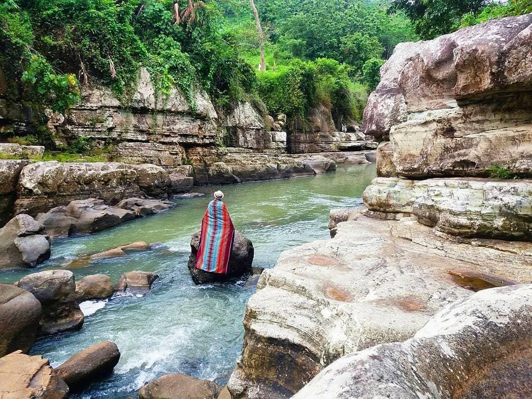 spot foto tonjong canyon yang instagramable