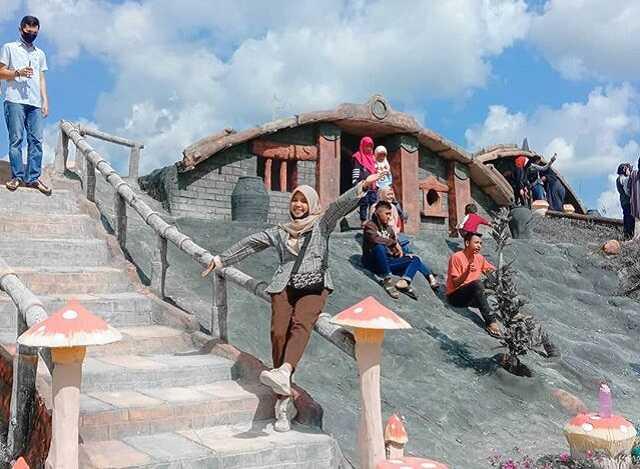 suasana taman wisata refi pekanbaru