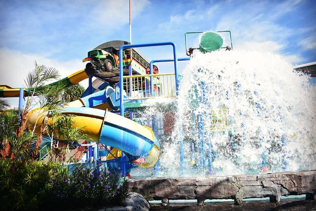 wahana air di saygon waterpark