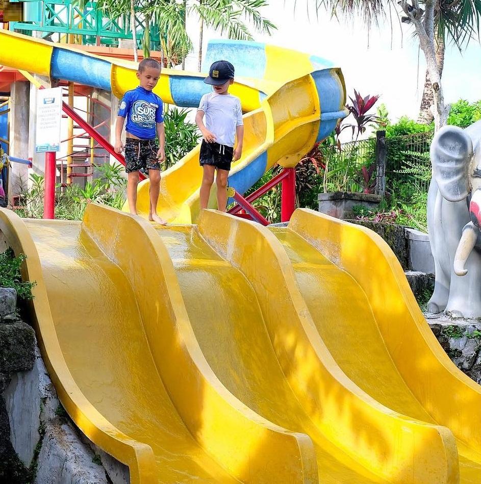 wahana air di taman segara madu waterpark badung bali
