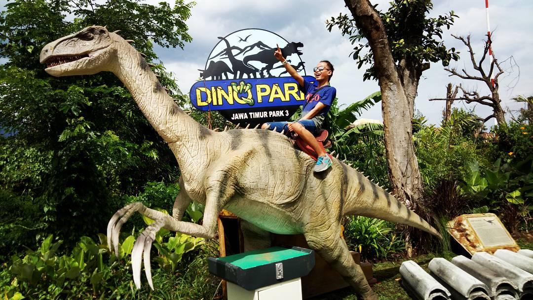 wahana dino park