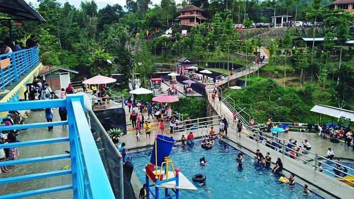 wahana kolam renang untuk dewasa di palalangon park ciwidey