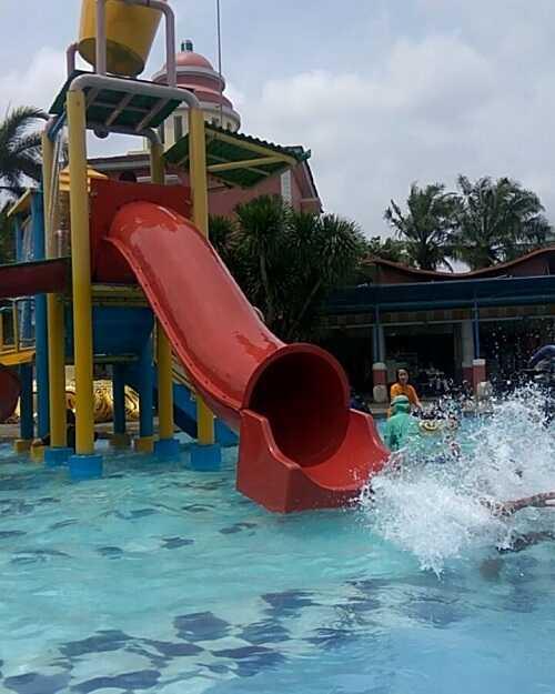 waterslide kolam renang puri beta tangerang