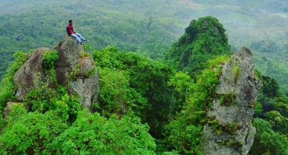Gambar Bukit Selo Arjuno & Bukit Bligo Kendal