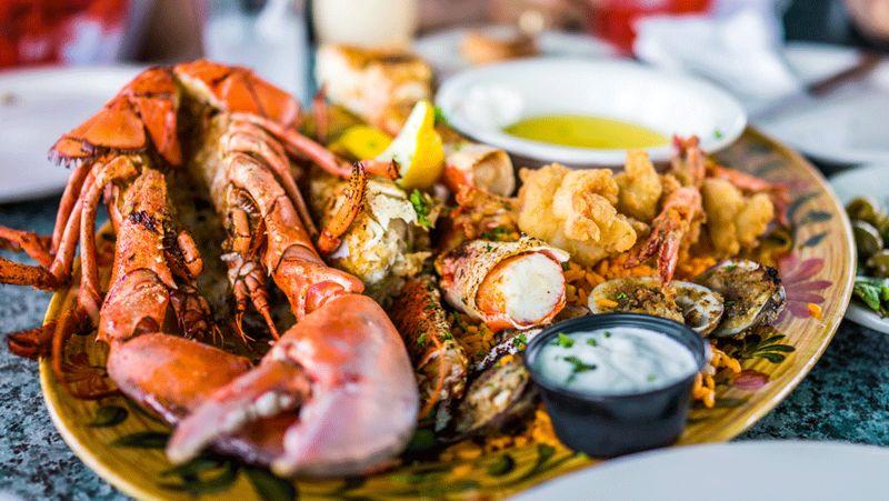 Menikmati Kuliner Seafood