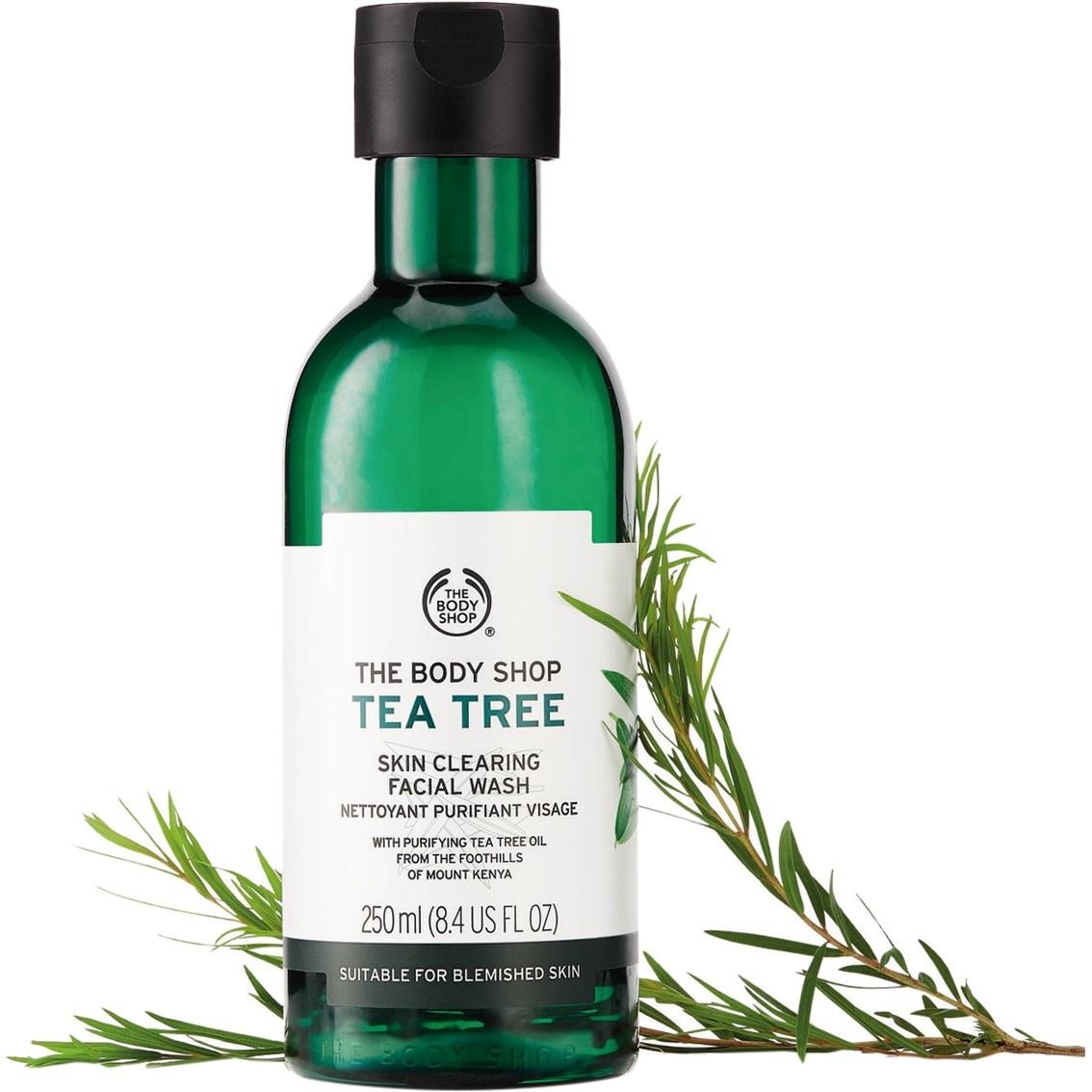 The Body Shop Tea Tree Skin Clearing Facial Wash 1