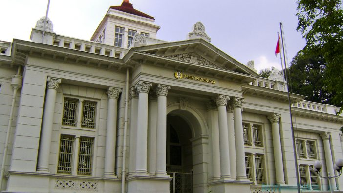 tempat wisata dekat stasiun bandung gedung bank indonesia