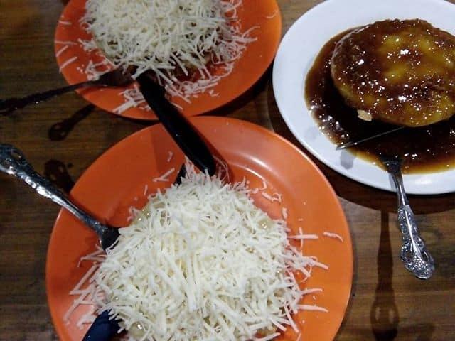 kuliner murah di bandung Surabi Waroeng Setiabud