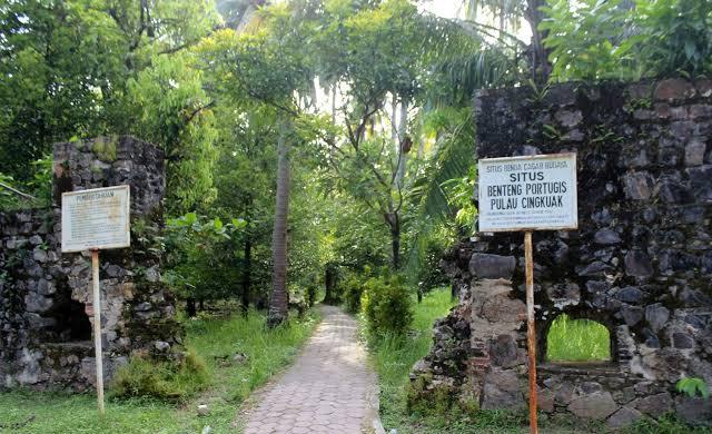Kawasan wisata di sekitar puncak Mandeh