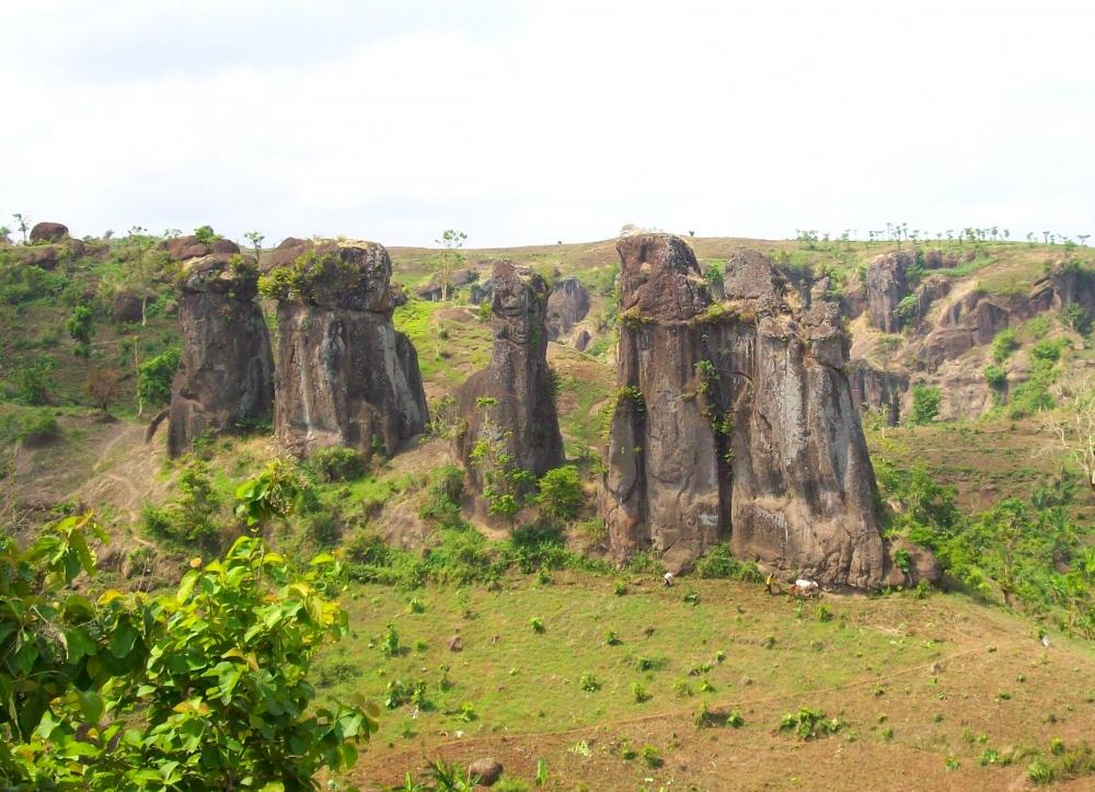 Batu Solor Bondowoso