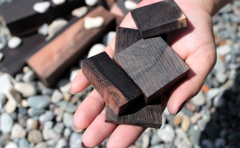 kayu hitam