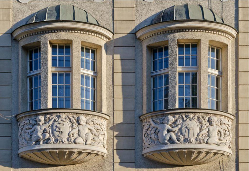 oriel windows