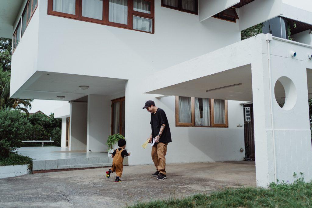 Aparthouse